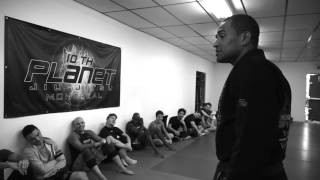 Renato Laranja visits 10th Planet Montreal