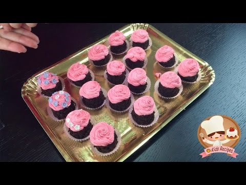 PINK FLOWER CUPCAKES For Kids Masha And Bear Theme