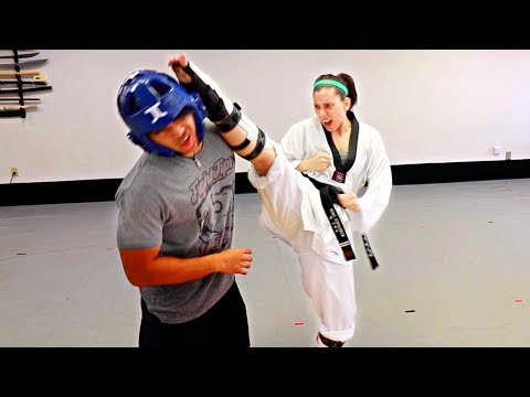 3 Ways to Axe Kick in Sparring