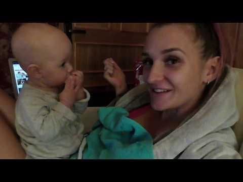 VLOG|Прикорм Сама кушает банан и кормит родителей!