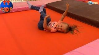 Кукла Штеффи и Ярослава - прогулка к водопаду. Видео для детей. Водопад Дюден Анталия Турция