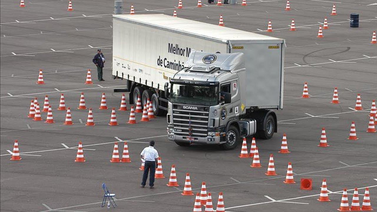 أمهر سائقي الشاحنات في العالم !!