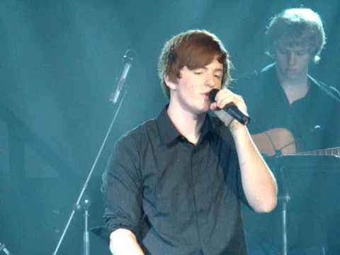 Blake Thrasher sings Hallelujah .MPG