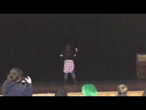 Eagle peak middle school talent show Narytza Flores dancing to my house
