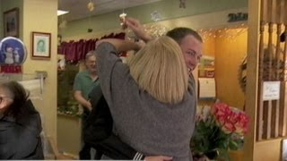 Holiday Homecoming: Soldier Surprises Mother in Time for Christmas