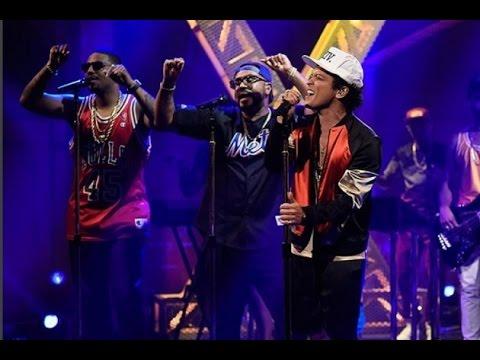Bruno Mars, 24K Magic Live at 2016 (new...