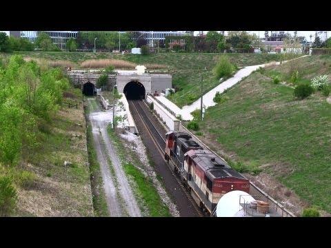 CN 5748 at the Sarnia Tunnel (18MAY2013)