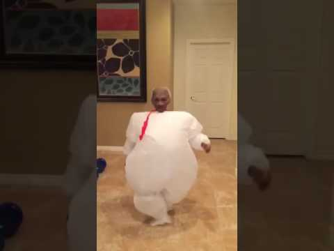 Kid in Stay Puft Marshmallow costume. Hilarious! & Kid in Stay Puft Marshmallow costume. Hilarious! - YouTube