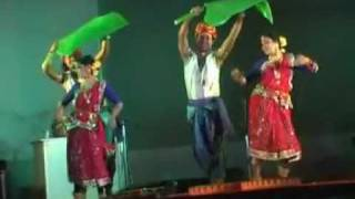 Chata dhoro he deora, a tribal romantic dance by Wizards Performing Arts.mpg
