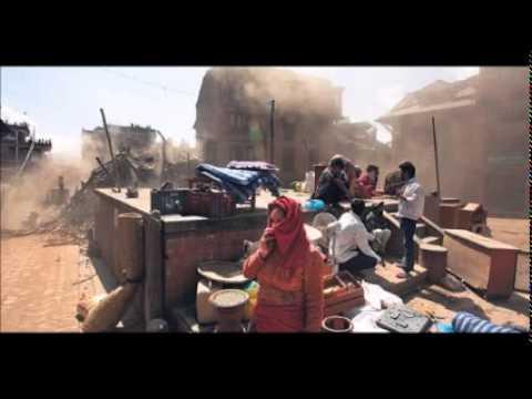 Desperate Nepalis flee capital as quake aftershocks spread fear