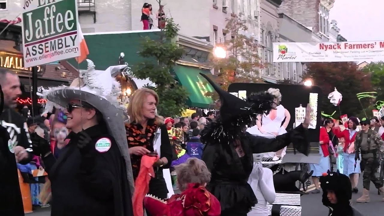 nemo shows up at the halloween parade on saturday october 2014 - youtube