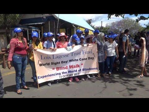 Le Loïs Lagesse Trust Fund fait tester la marche à l'aveugle
