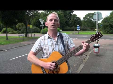 Dundee musician sings an Ode to the Kingsway
