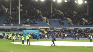Everton welcomes Oumar Niasse