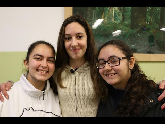 Alumnos del IES Guadalquivir participan en la campaña 'No te pierdas', Sin libertad no hay amor