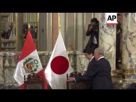 Japanese PM welcomed by Peru President