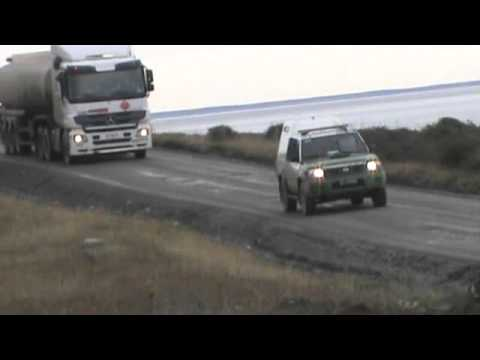 escolta de carabineros a camiones copec de mina invierno