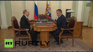 Russia: Putin okays land give-away in country