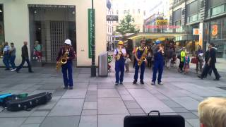 Amazing Street Artist playing the Saxophone