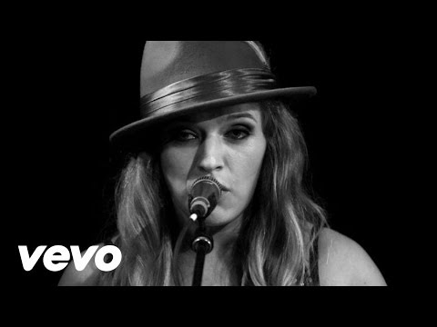 ZZ Ward - 365 Days (Live at the Troubadour)