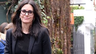 Courteney Cox Doesn't Let A Little Rain Keep Her From Lunch With Friends