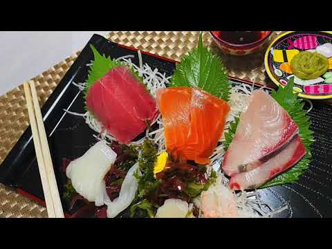 THE PROPER WAY TO EAT SASHIMI