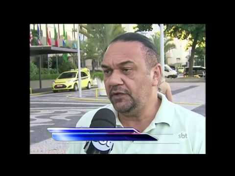 SBT Brasil (16/04/16) - Comerciantes Planejam Ganhar Dinheiro Extra Com Protestos No RJ