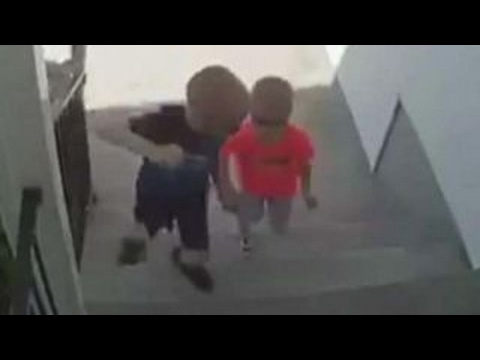 'Do the right thing' brothers go viral in adorable way