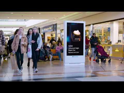 Clear Channel UK  Mobiliario Indoor en Centros Comerciales