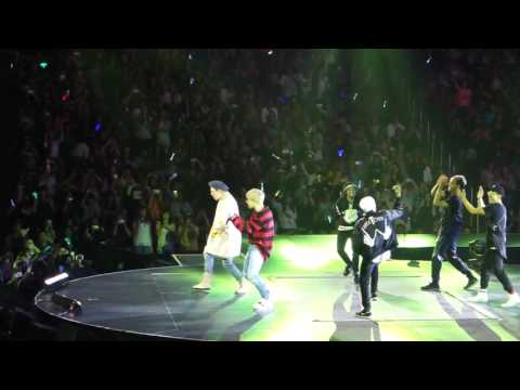 [FANCAM HD] Block B Zico Boys and Girls Ft. U-Kwon + Pour Up Ft. Dean [KCONLA 2016.07.30]