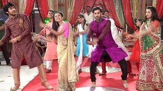 "Veera And Baldev Dance On The Tunes Of ""Delhi Wali Girlfriend"""