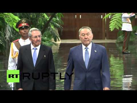 Cuba: Castro welcomes Kazakh President Nazarbayev with military honours