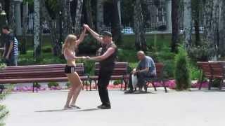 Танцы День молодёжи парк Горького Харьков Dancing Youth Day Gorky Park Kharkov(, 2013-06-30T19:28:38.000Z)
