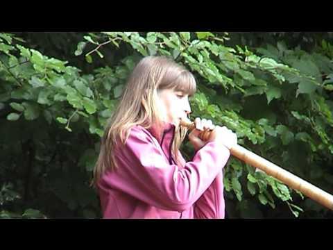 Lisa Stoll Spielt Alphorn Am Waldrundgang In Wilchingen