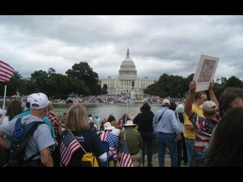 Debate: Tea Party vs. establishment: Who is helping the right, and who is hurting it?
