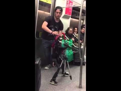 Guns n Roses - Artist Shines on the Metro