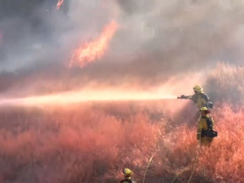 raw-wildfire-east-of-los-angeles-20-contained