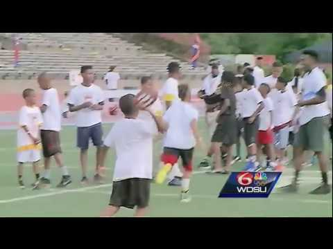 New Orleans-native Tyrann Mathieu helps tackle crime with youth football camp for kids