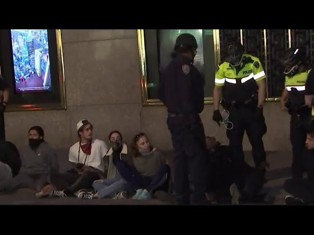 Cops Arrest Over 200 Before First Night of Curfew Take Place in NYC   NBC New York - NBC New York
