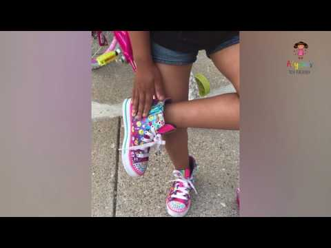 SKECHERS KIDS Shuffles (Emoji Shoes) Review by Alyssa