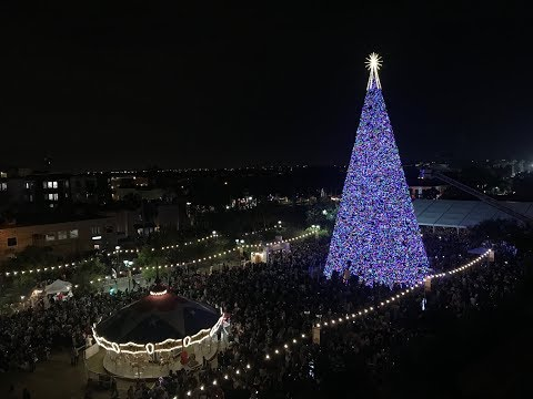 Ken Payne - Santa Lights 100 Foot Christmas Tree in Delray Beach