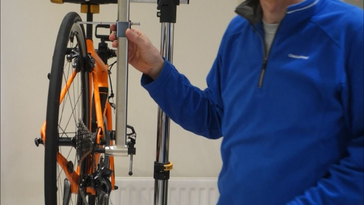 How to use a gear hanger alignment tool
