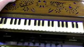 How to play -  Pyar Deewana Hota Hai on Harmonium/Keyboard