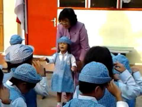 Neisha pimpin menyanyi lagu Indonesia Raya