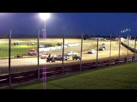 100 3205 2015-06-27 Devils Lake Speedway Street Stock Feature