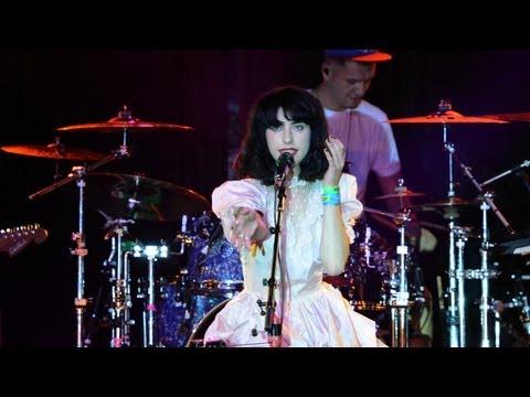 "Kimbra - ""Settle Down"" Live At SXSW 2012"