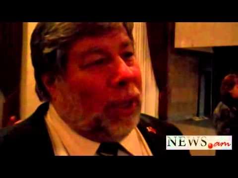 Too Early To Speak About IPhone5 - Steve Wozniak