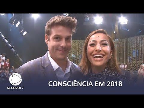 Sabrina Sato e Fabio Porchat mandam um feliz 2018 para nós