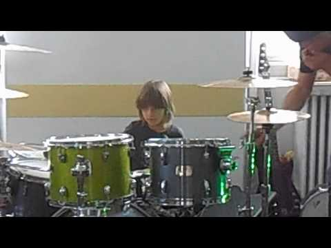 Green Jelly Three Little Pigs drum cover Lory