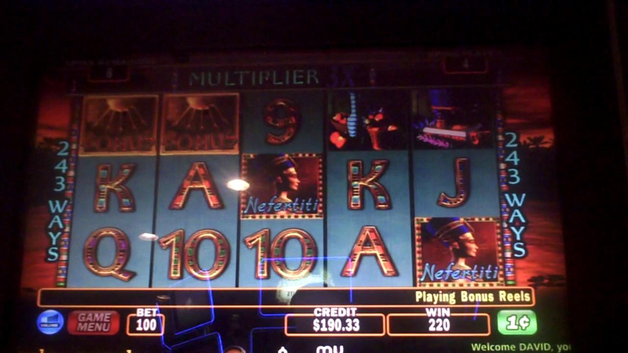 Nefertiti Slot Machine